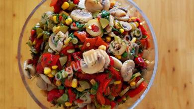 Kırmızı Biberli Mantar Salatası Tarifi